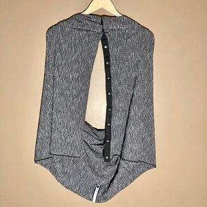 Lululemon Vinyasa wrap scarf grey striped